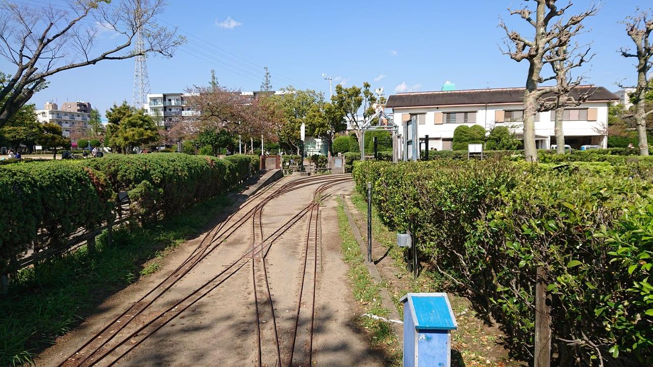 行徳駅前公園のミニSLの線路